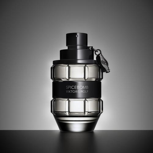 Avis sur le parfum Spicebomb de Viktor & Rolf